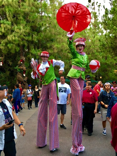 Juggling and Clowning Elves